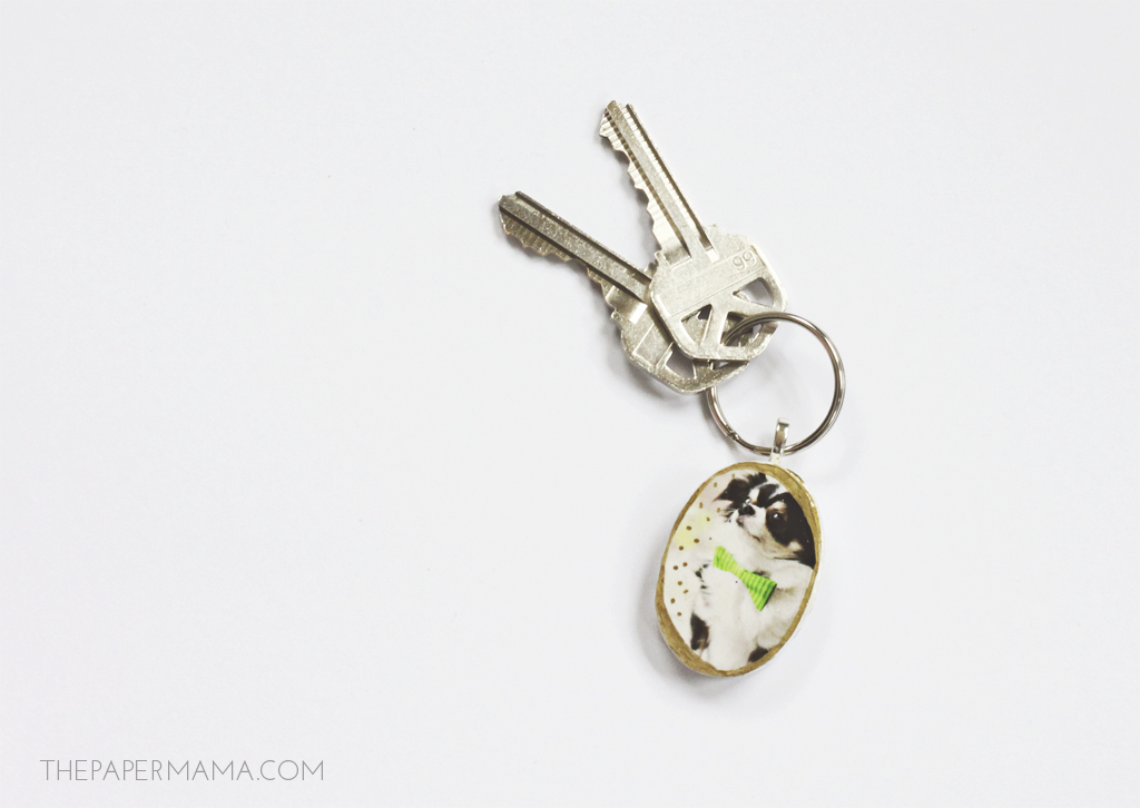 Personalized Photo Pendants and Keychains // thepapermama.com