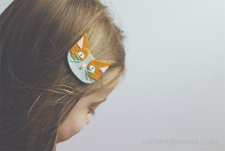 These little cat face clips will work as shoe decor, or a hair clip. Looks cute either way. I provided a pattern for you to make this gift, from The Paper Mama.