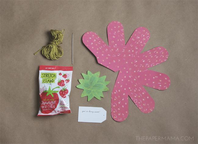 Strawberry Valentine DIY with Free Printables // thepapermama.com
