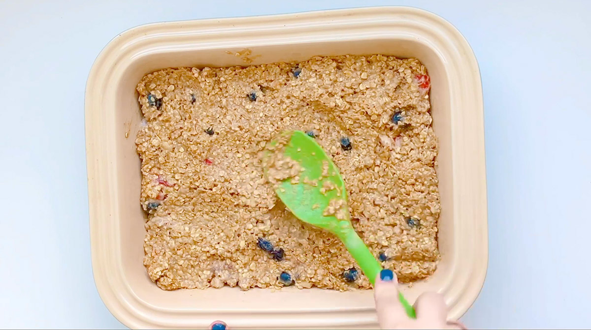 Peanut Butter Banana Blueberry Oat Bars