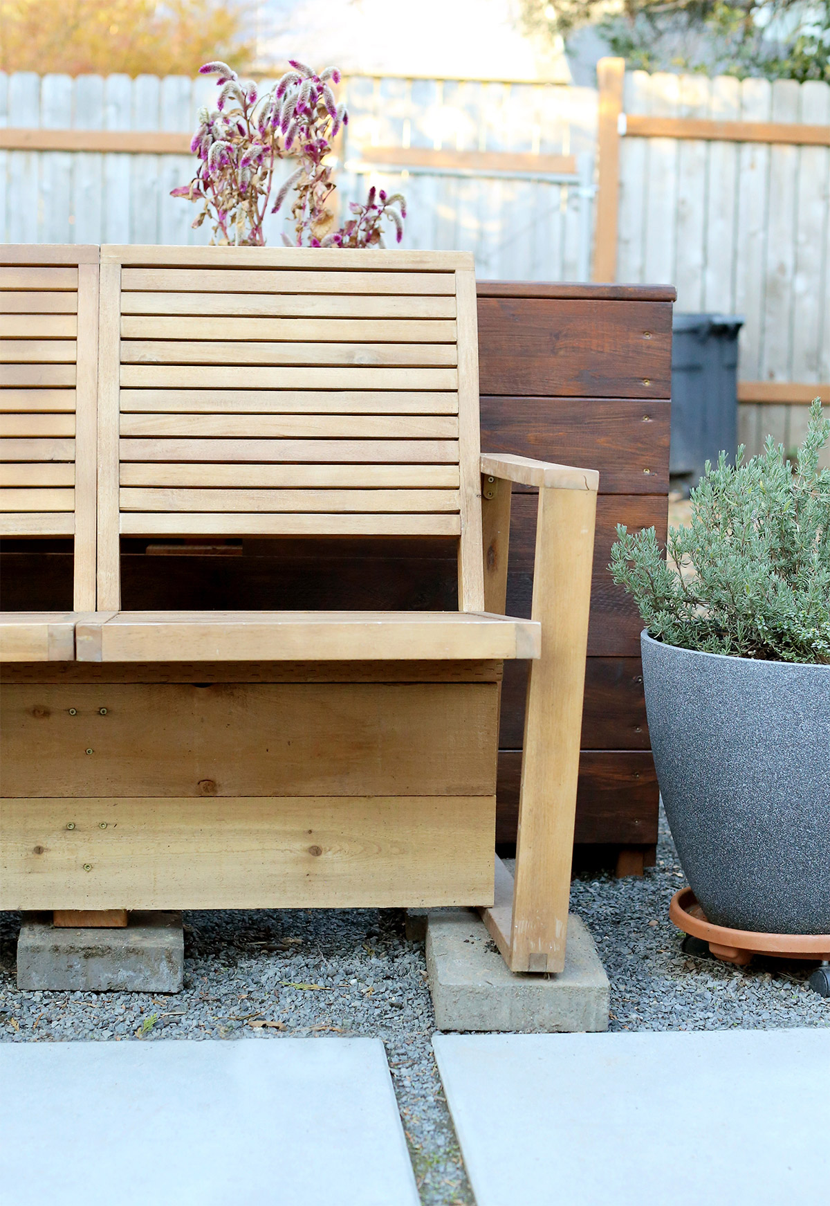 6 Quick Tips to Protect Outdoor Furniture in the Winter
