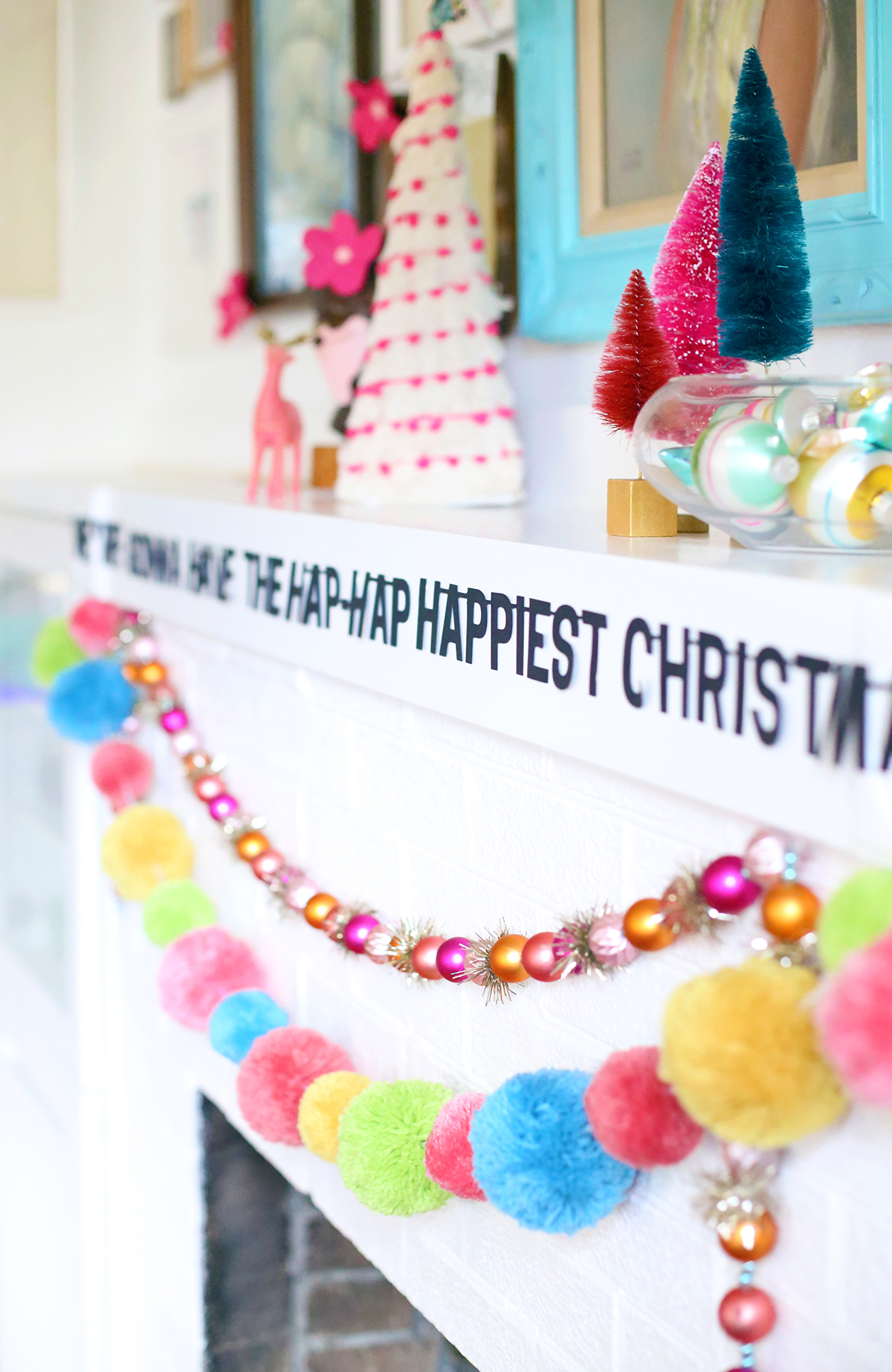 Hap-Hap Happiest Christmas Banner - thepapermama.com