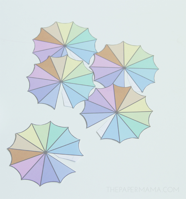 Drink Umbrella Stirrer with free printable // thepapermama.com