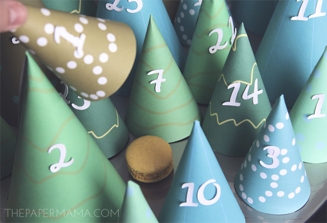 Modern Christmas Tree Cone Advent Calendar // thepapermama.com