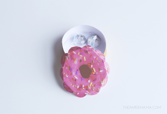 Paper Doughnut Valentine's (with free printables)