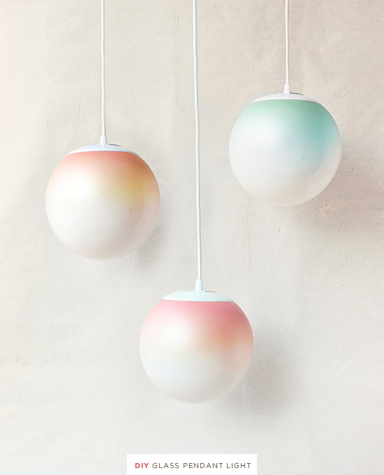 I have to tell you guys, I'm still into ombré projects and these glass ombré pendants are lovely. Found on Design Love Fest.