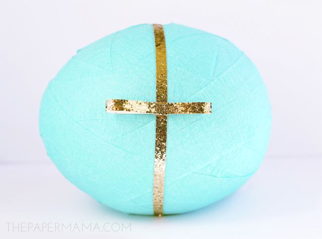 3 Ways to Wrap Difficult Objects: Holiday Surprise Ball DIY