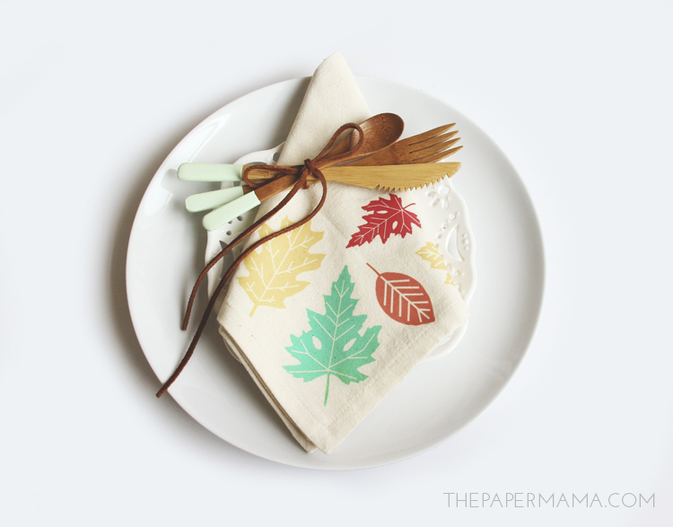 Cloth Leaf Napkin DIY // thepapermama.com