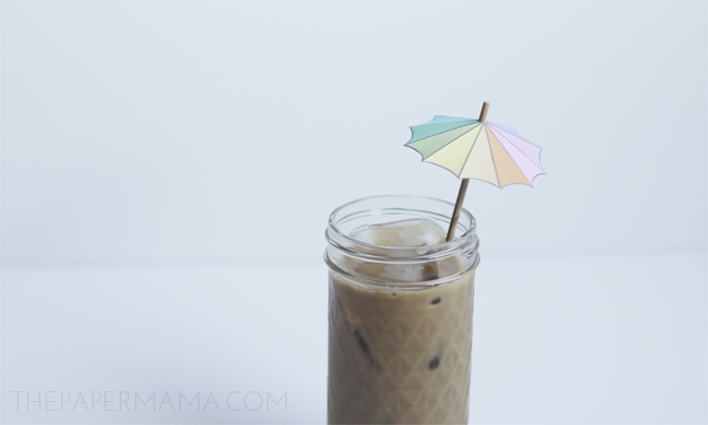 Drink Umbrella Stirrer with free printable // thepapermama.com