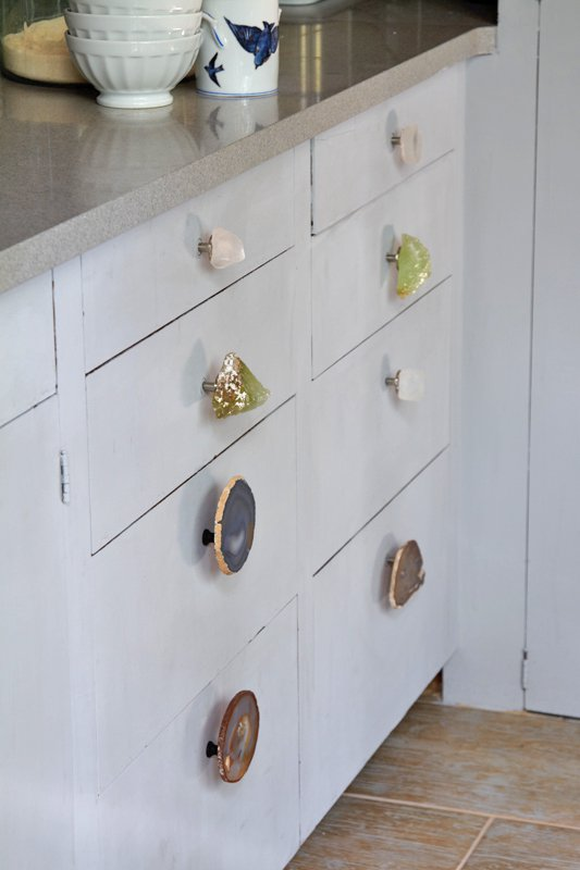 I'm loving these DIY geode drawer pulls. They are so lovely. Found on Popsugar.