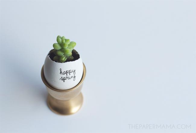 Little Easter Egg Planter DIY // thepapermama.com