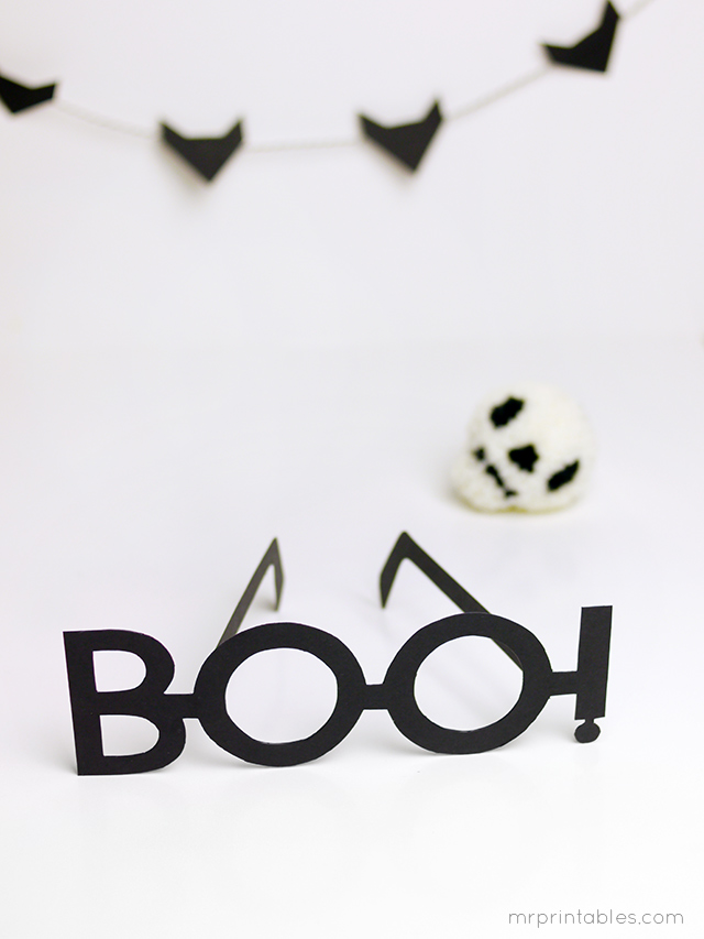 BOO-halloween-costume-glasses