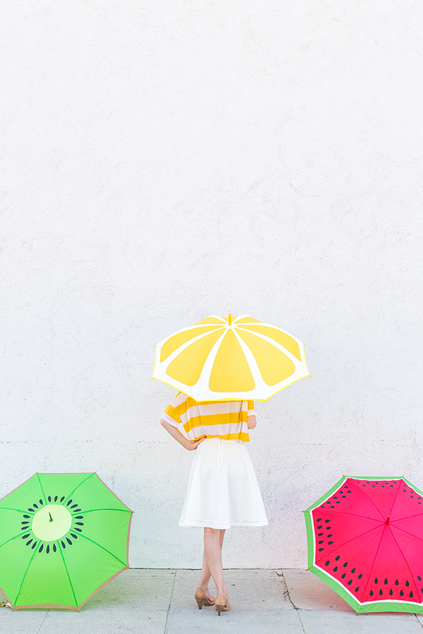 http://www.studiodiy.com/2014/07/30/diy-fruit-slice-umbrellas/