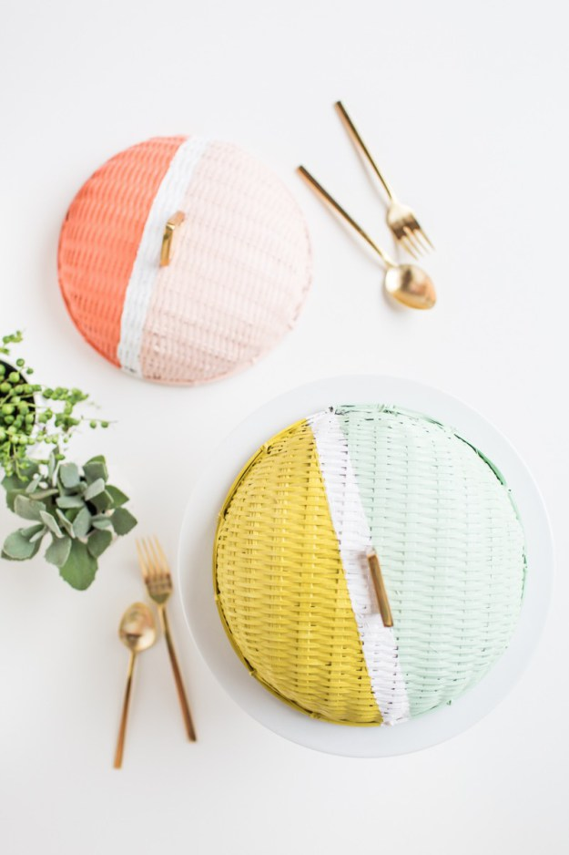 Keep the bugs away from your grub with these colorblock food domes, on Sugar and Cloth.