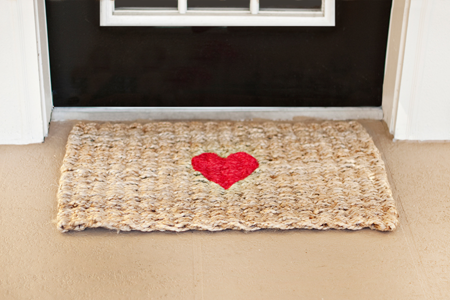 http://prettyfluffy.com/diy-tutorials/diy-projects/diy-valentine-welcome-rug