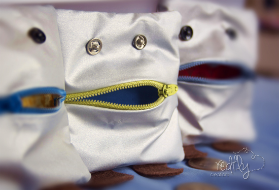 http://www.redflycreations.com/2012/11/monster-money-pouch.html