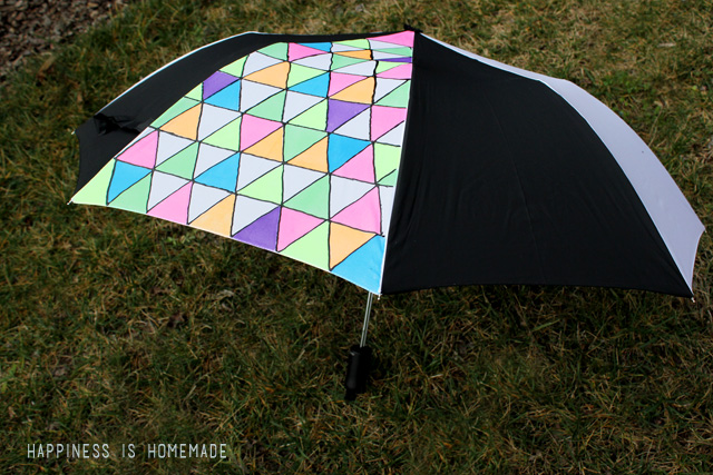 http://www.happinessishomemade.net/2014/02/13/diy-geometric-umbrella-get-neon/