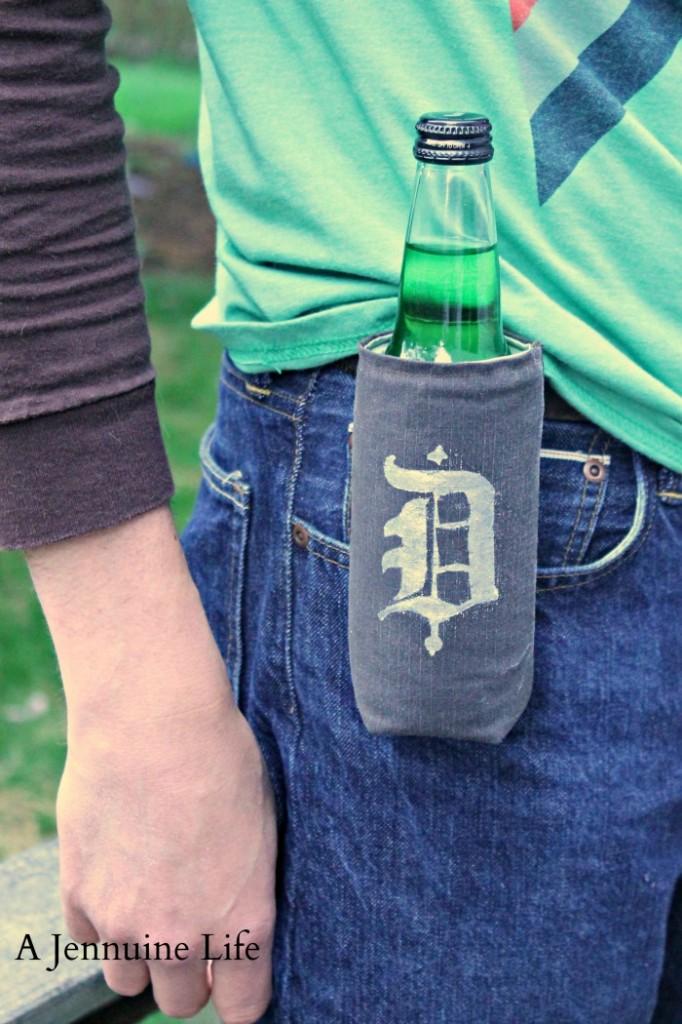 http://growingupgabel.com/fathers-day-craft-beverage-holder/