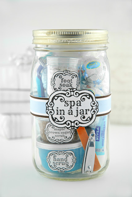 I feel like this is the perfect gift for my mom: a spa in a jar. Get the directions and printable labels on The Gunny Sack.