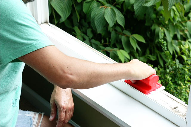 This post is a great reminder to clean spots around your home that you might forget about. That outdoor windowsill could probably use a little scrub. Check out more tips (and a free cleaning list printable) on Live Laugh and Rowe.