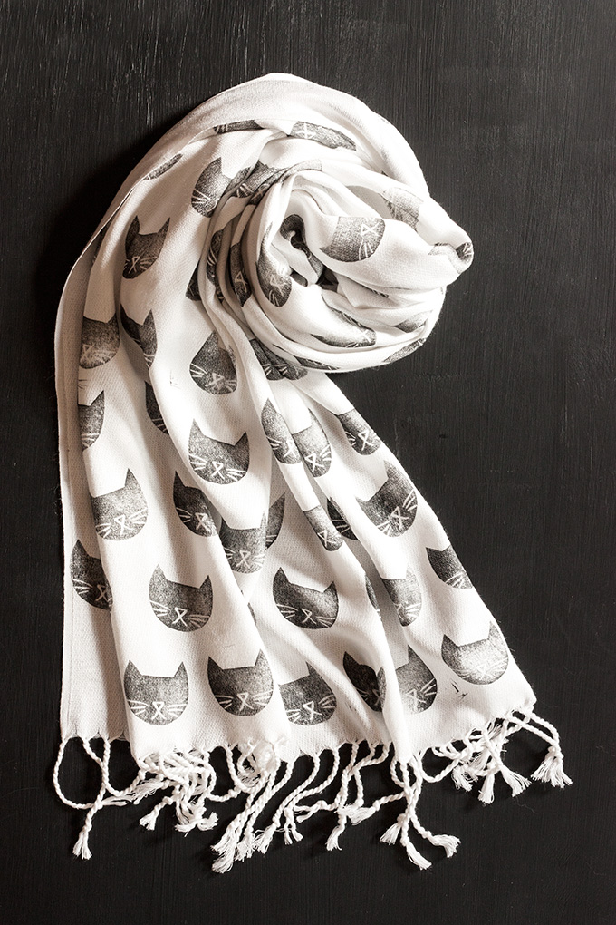 A scarf is always a good gift. Make this Black Cat Stamped Scarf, from Adventures in Making.