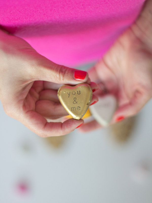 http://lovelyindeed.com/diy-cement-valentines/