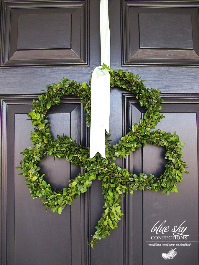 I'm in love with this Four Leaf Clover Door Decor, from Blue Sky Confections.