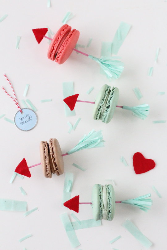 http://sugarandcloth.com/2014/01/diy-valentine-arrow-cookie-picks/