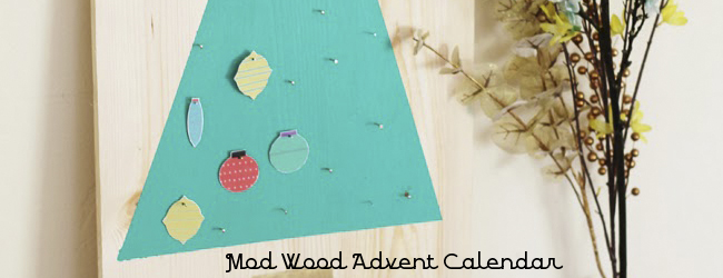 Day 28 of 50 DIY Days of Christmas: Mod Wood Advent Calendar // thepapermama.com