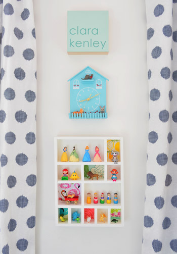 My kiddo has SO MANY tiny toys that she loves. This little toy figurine display is so cute and would be perfect for her. Found on Young House Love.