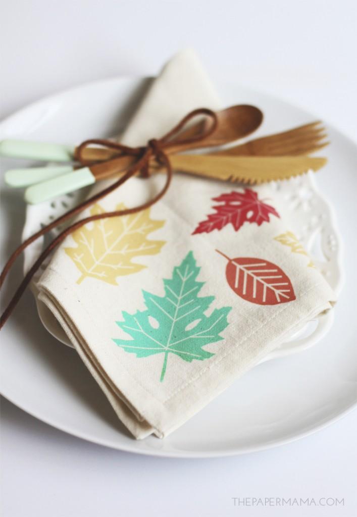Holiday Decor: Leaf Napkins DIY (with free printable)