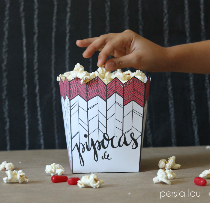 Free Printable Popcorn Box on Persia Lou // http://www.persialou.com/2014/07/free-printable-popcorn-box-and.html