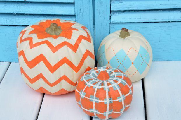 http://www.homestoriesatoz.com/fall-2/how-to-paint-pumpkins.html