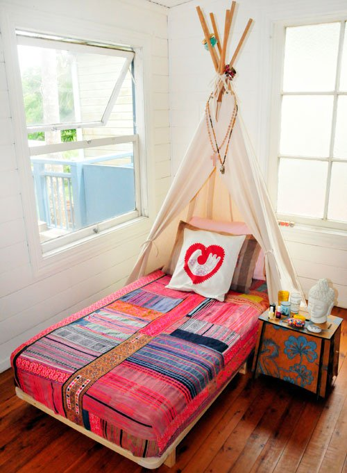 I would have LOVED these teepee beds as a kid. Found on Babyology.